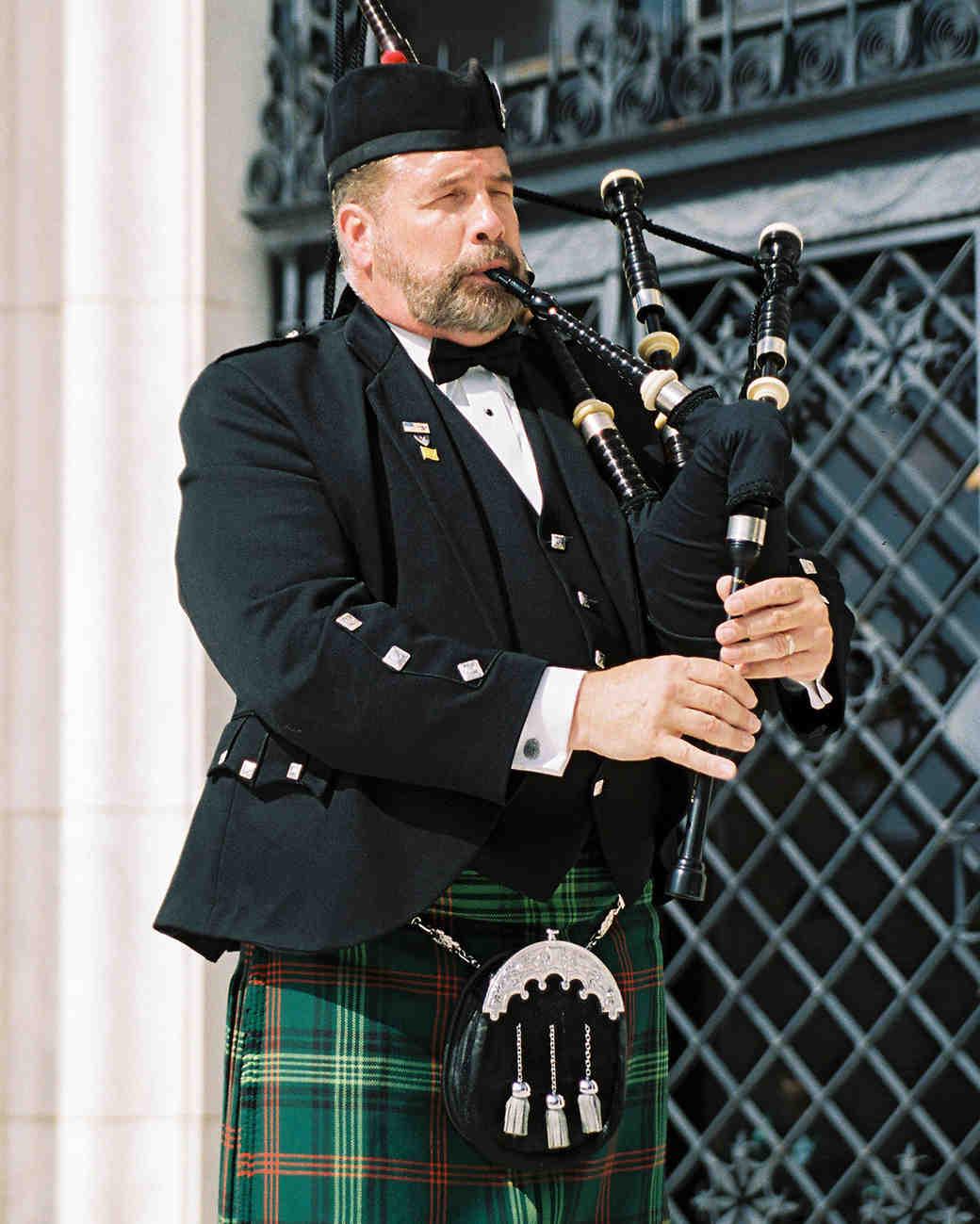 meki ian wedding bagpipes