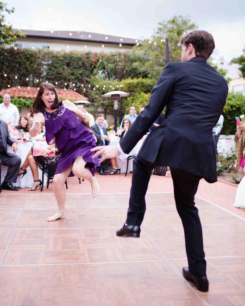 richelle-tom-wedding-mom-dance-858-s112855-0416.jpg