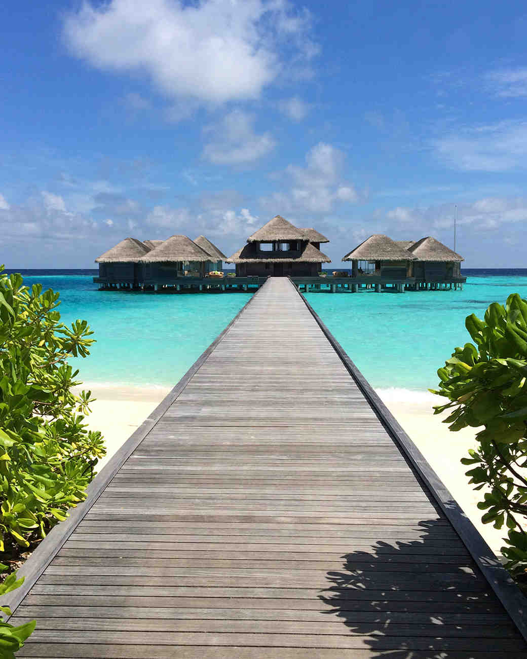 romantic places pick honeymoon editors martha spa maldives hotels spots huvafen fushi marthastewartweddings