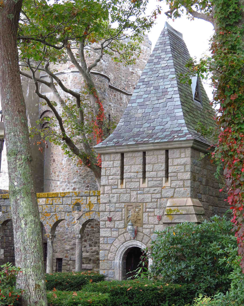 18 fairy-tale castle wedding venues in america | martha stewart