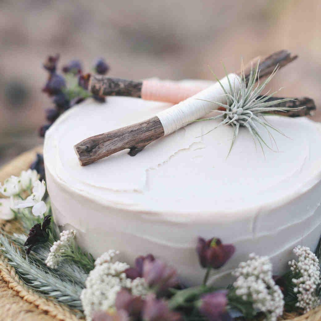 16 Rustic Wedding Cakes We're Loving