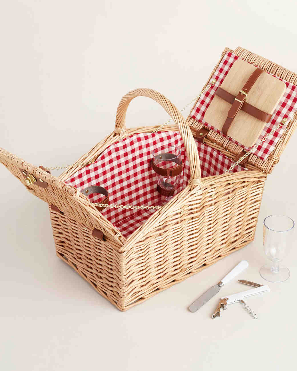 engagement-gifts-world-market-picnic-basket-0516.jpg