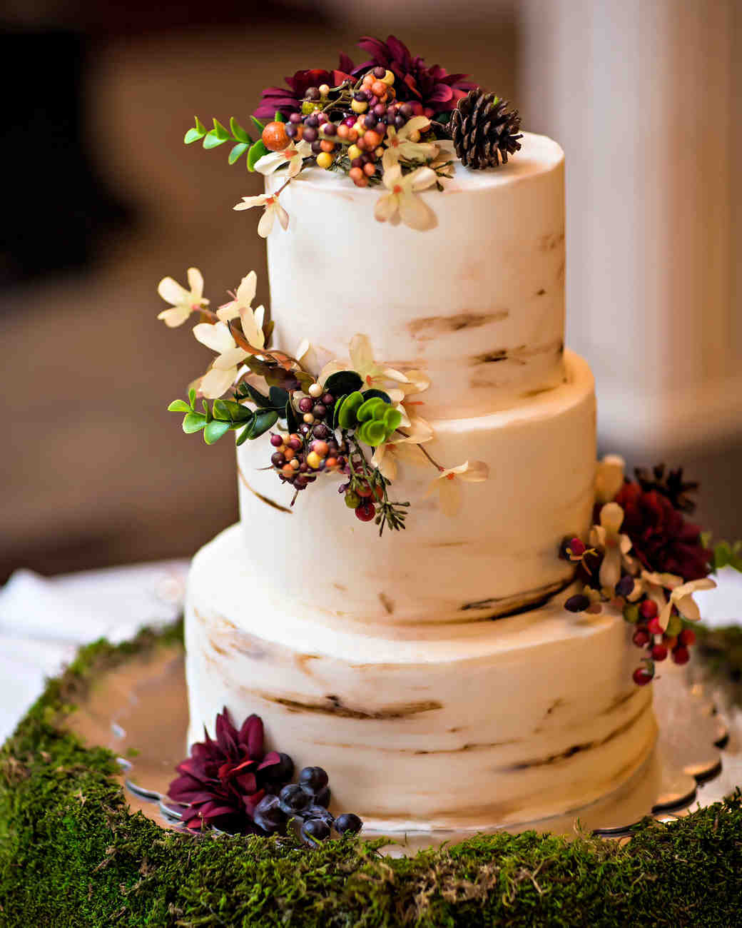 53 Fall Wedding Cakes We're Obsessed With