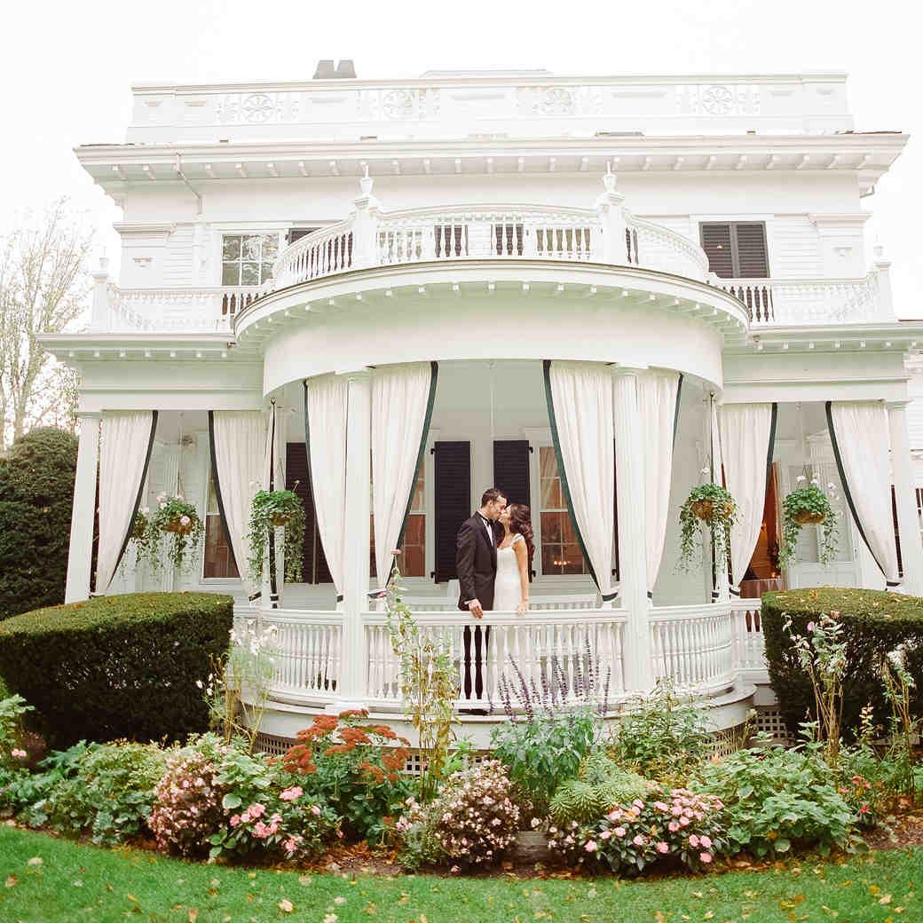 Lindsay and Garrett's Martha's Vineyard Wedding