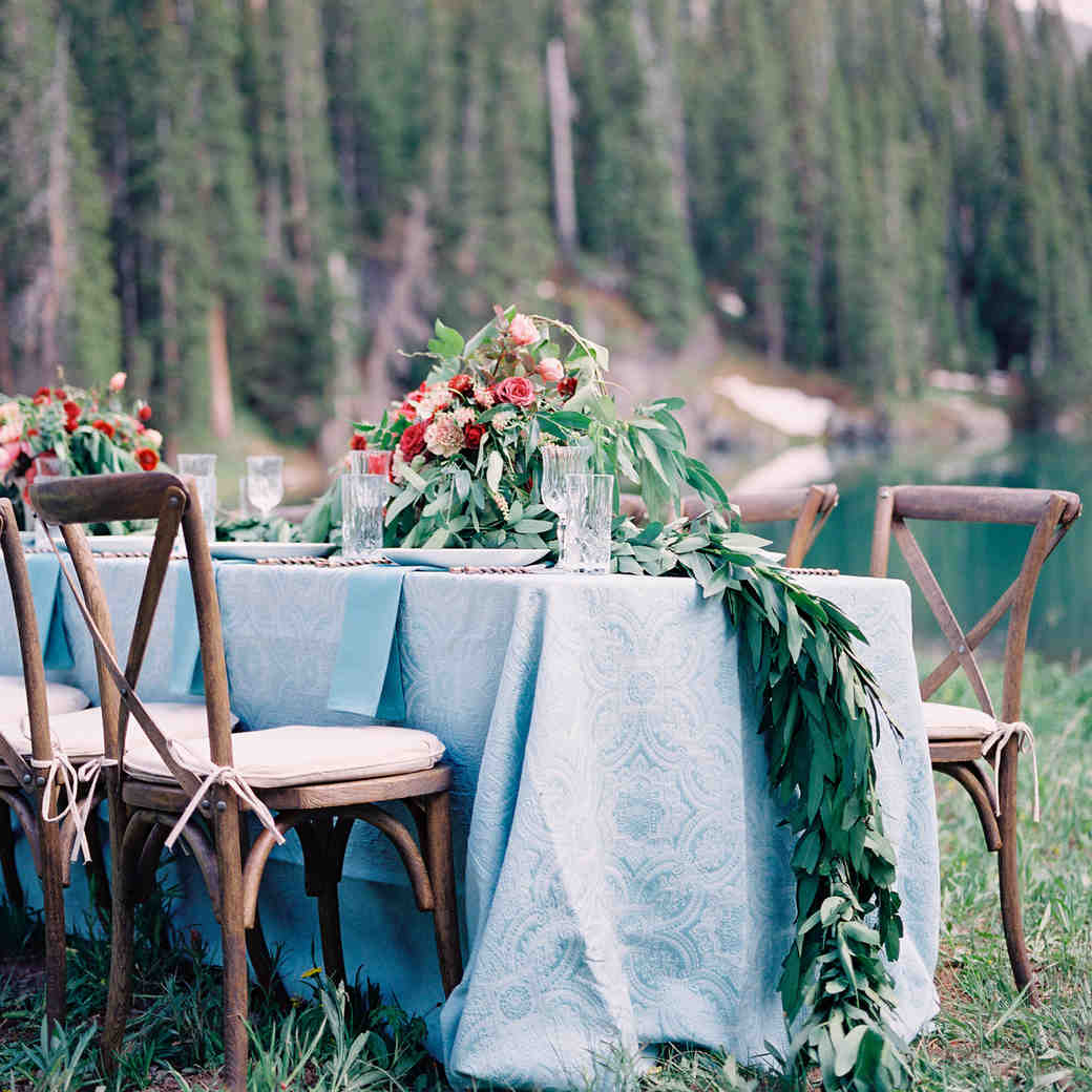 Lush Wedding Garlands Guaranteed to Elevate Your Reception Tables