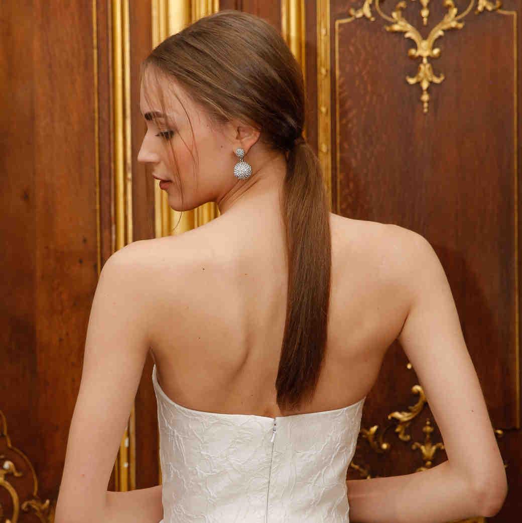 Oscar de la Renta Spring 2018 Bridal Fashion Week Hairstyle
