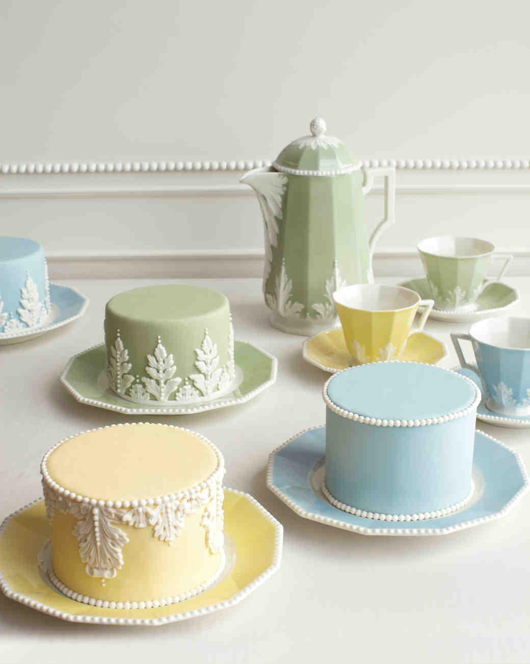 ron-ben-israel-cakes-winter-2012-mini-cakes-0814.jpg