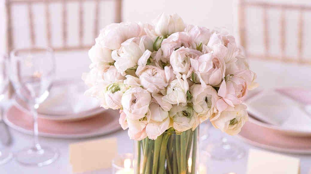 8 Ways to Save on Wedding Flowers