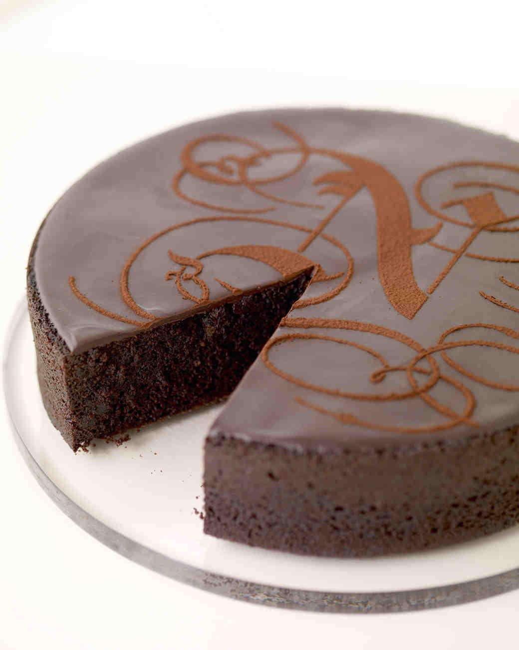 boozy-desserts-chocolate-stout-cake-wd103407-0814.jpg