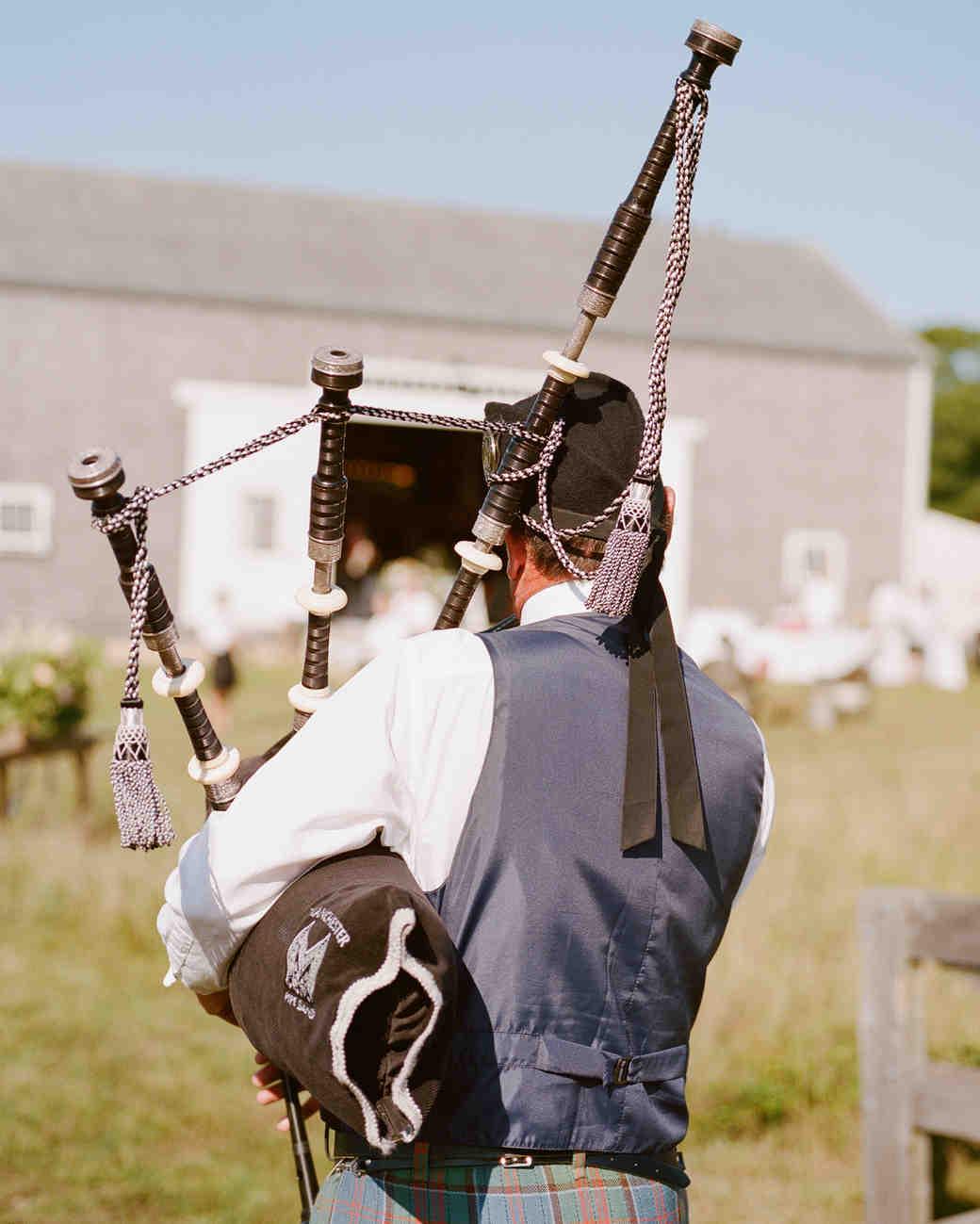 jocelyn-graham-wedding-bagpipes-0859-s111847-0315.jpg