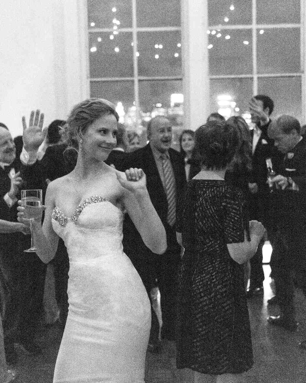 bride-dancing-bw-blake-chris-nyc-pi-5997-mwd110141.jpg