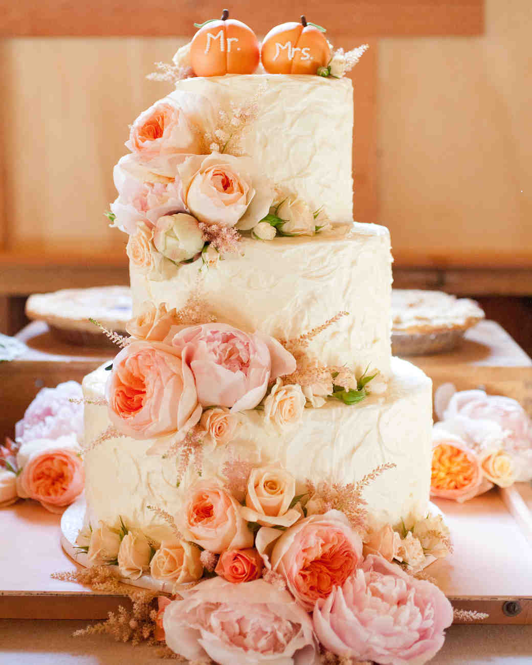 53 Fall Wedding Cakes We re Obsessed With