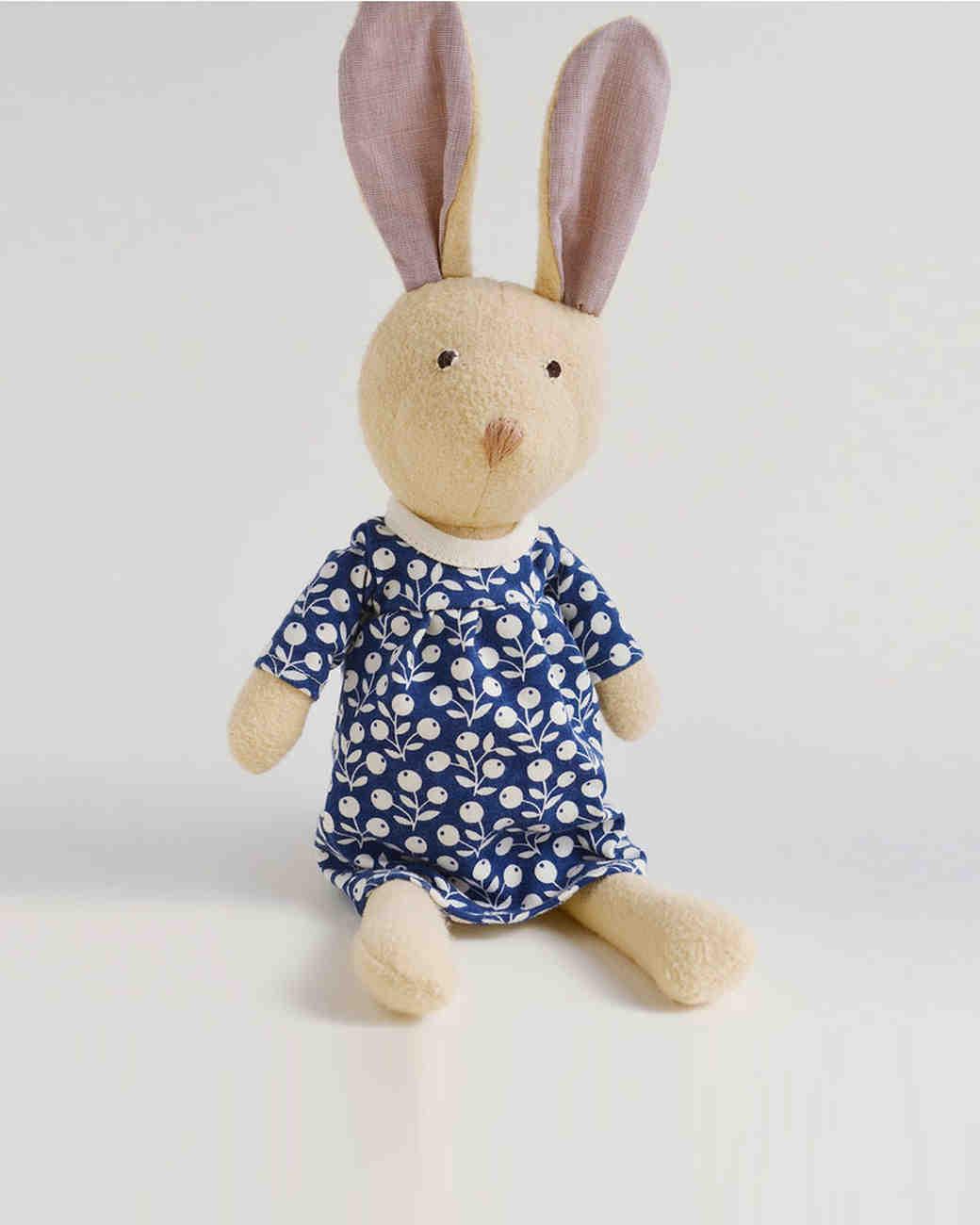 holiday-gift-guide-flower-girl-stuffed-animal-1215.jpg