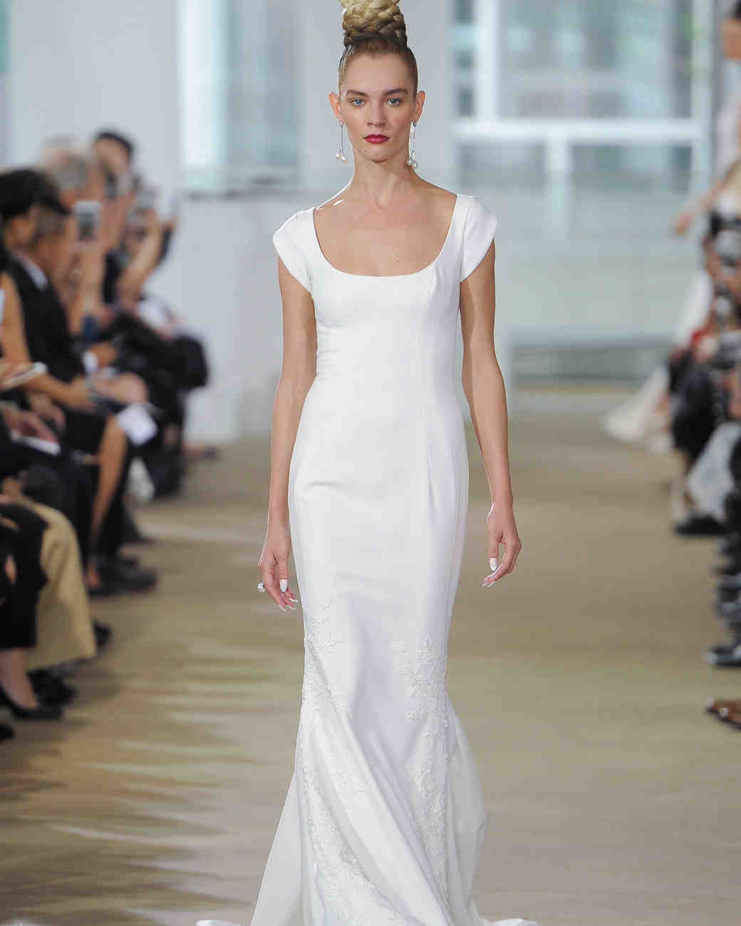 Di Santo Wedding Gowns: Simple Wedding Dresses That Are Just Plain Chic