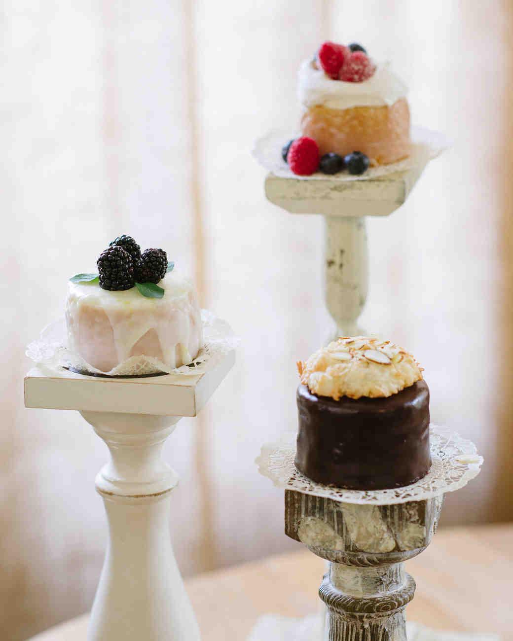 learn-the-lingo-frosting-glaze-favorite-cakes-0814.jpg