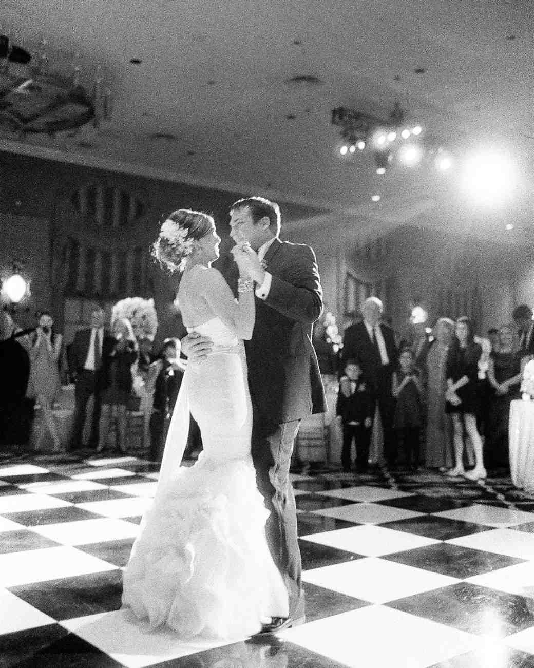paige-michael-wedding-firstdance-1019-s112431-1215.jpg