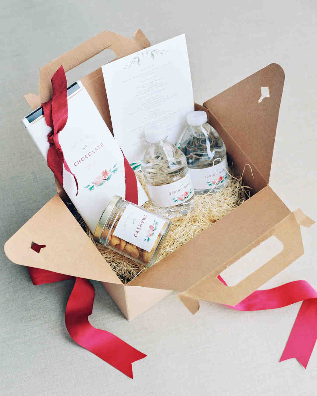 sasha-tyler-wedding-virginia-welcomebox-38-s112867.jpg