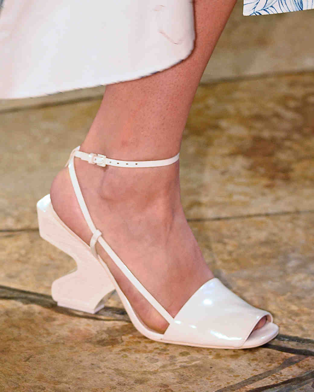 sp16-nyfw-bridal-accessories-tory-burch-shoes-0915.jpg