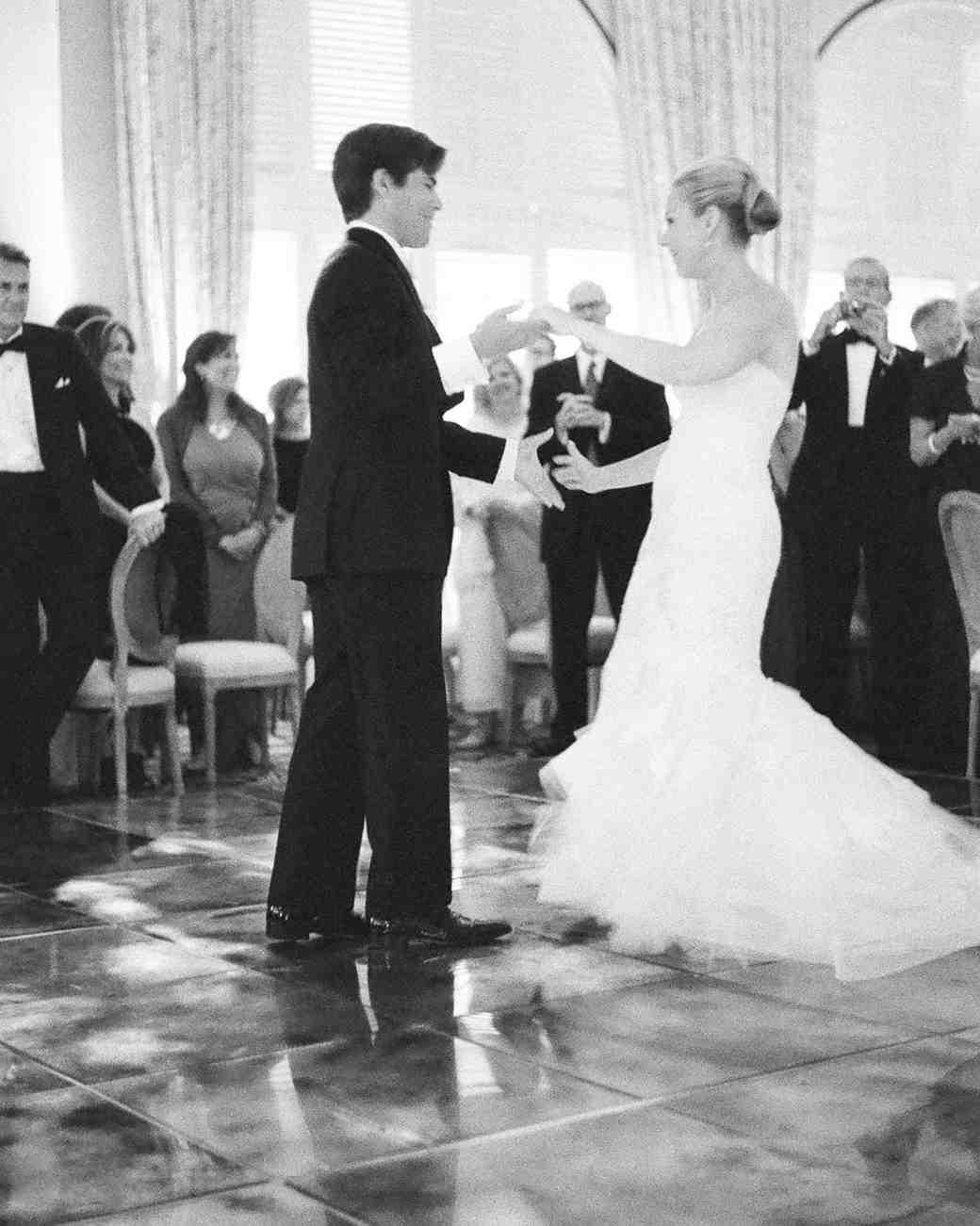 tiffany-david-wedding-firstdance-1921-s112676-1115.jpg