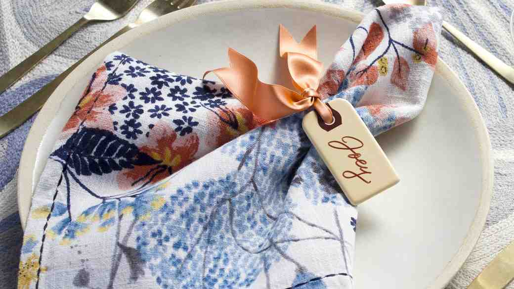 How to DIY the Easiest Place Card Ever