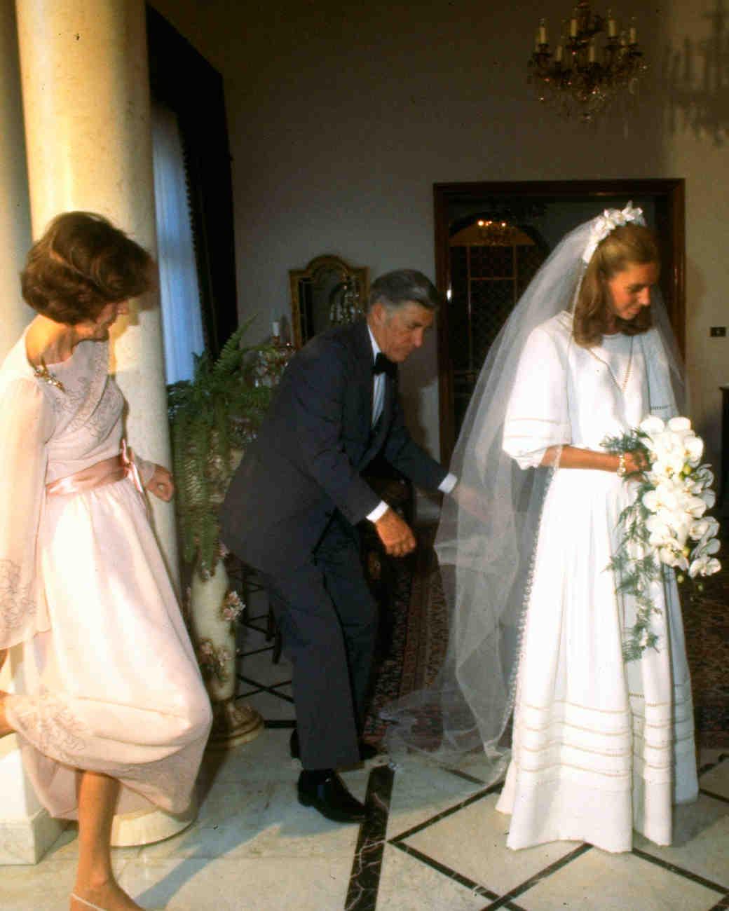 royal-wedding-dress-queen-noor-jordan-50540867-1115.jpg