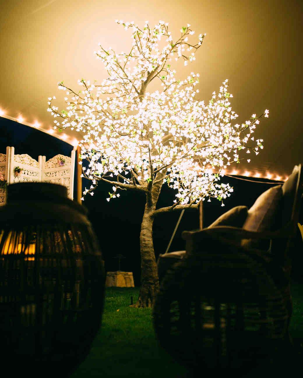 surprising-rentals-whim-event-rentals-led-tree-0615.jpg