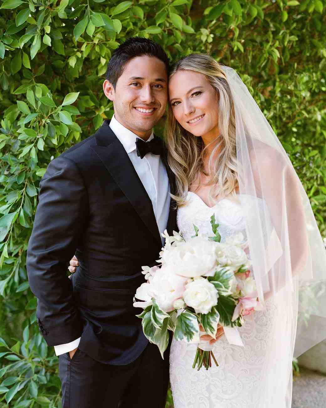 A Casual Outdoor Wedding In Palm Springs With A Black Tie Dress Code Martha Stewart Weddings