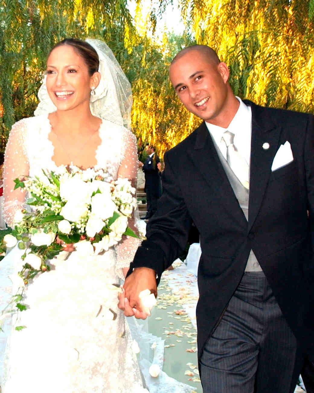 celebrity-brides-veils-jennifer-lopez-cris-judd-0615.jpg