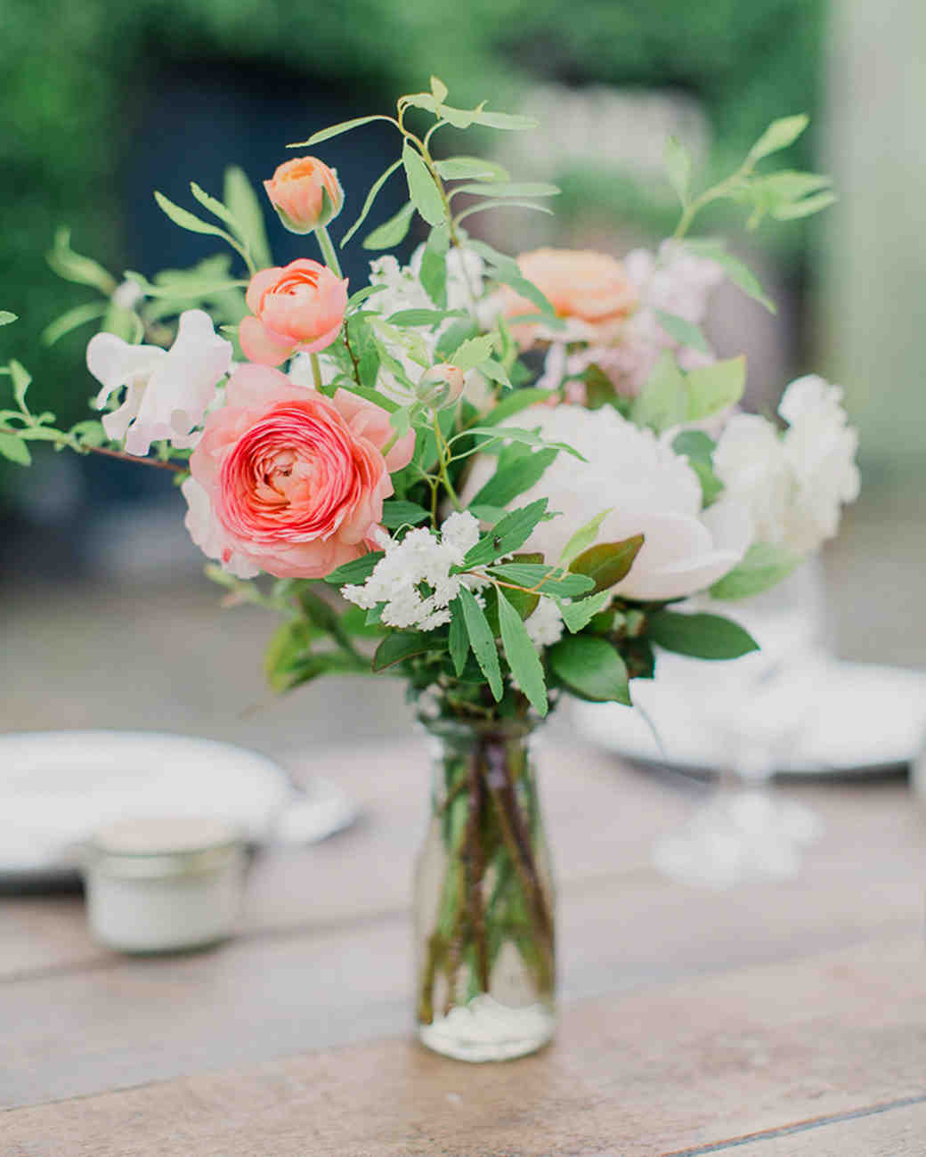 Simple Flower Arrangements For Tables 75 Great Wedding Centerpieces Martha Stewart Weddings