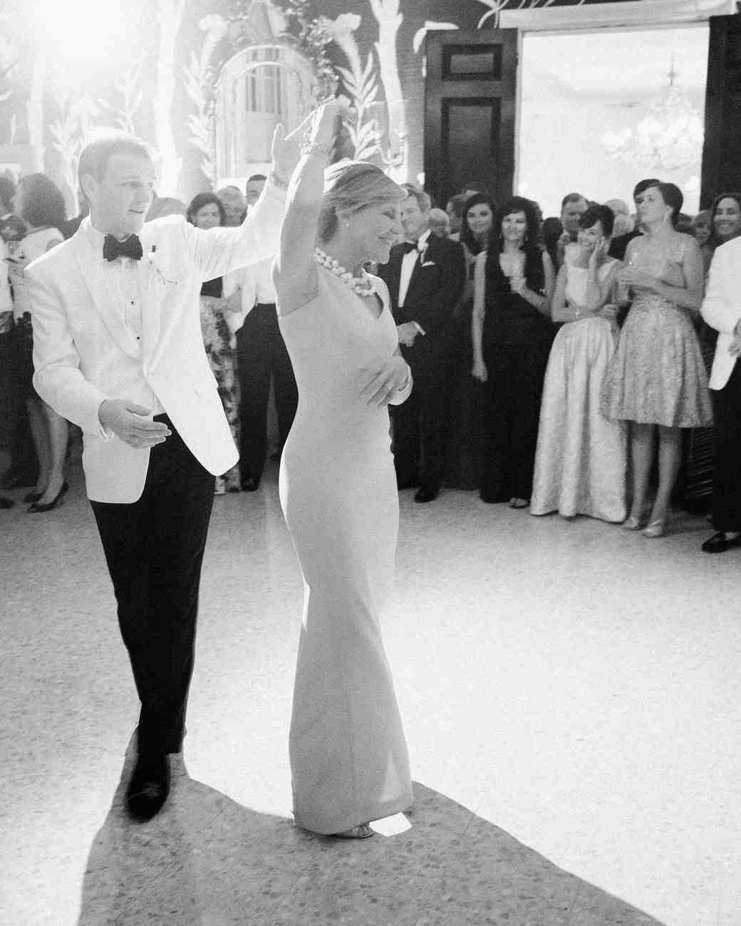kelsey-casey-wedding-bahamas-dance-0243-1569-s112804.jpg