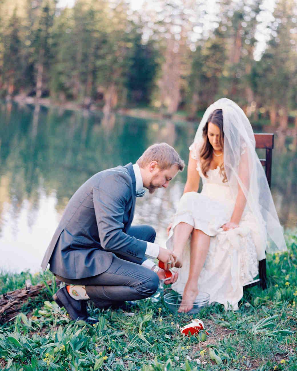 mckenzie-brandon-wedding-footwashing-24-s112364-1115.jpg