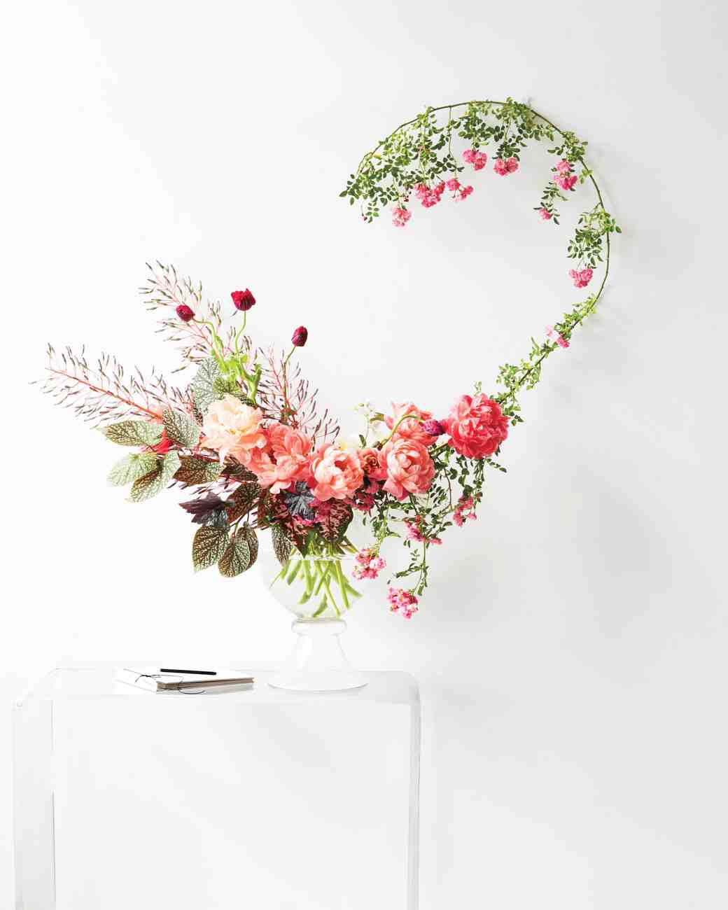 mflower-arrangement-on-lucite-table-book-174-d112266.jpg