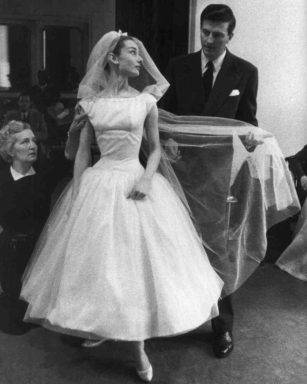 movie-wedding-dresses-funny-face-audrey-hepburn-0316.jpg