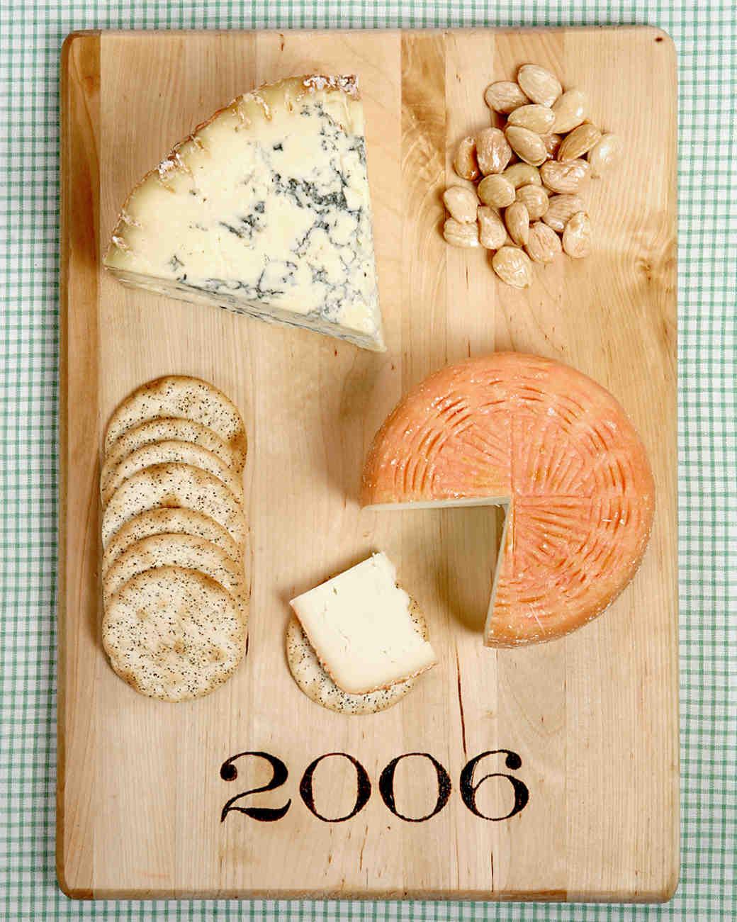 diy-bridesmaid-gifts-cheese-board-ms-show-dec-06-0515.jpg