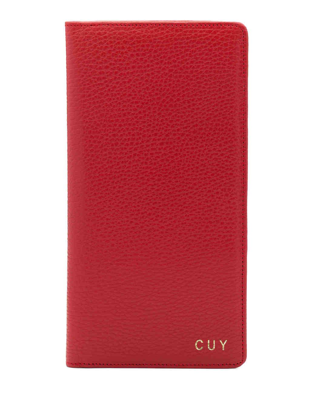 valentines-gift-guide-her-cuyana-passport-wallet-0115.jpg