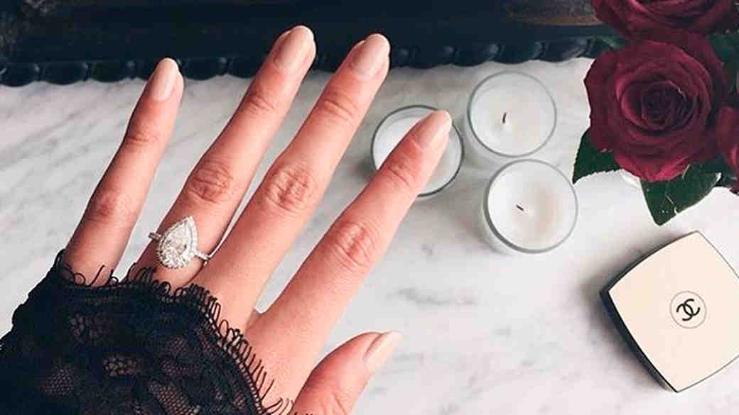 Engagement-Ring Selfie 101: How to Take the Perfect Photo