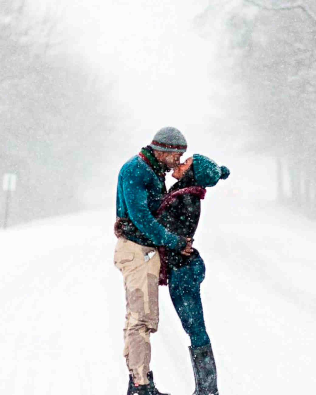 7 Tips for Dreamy Winter Engagement Photos