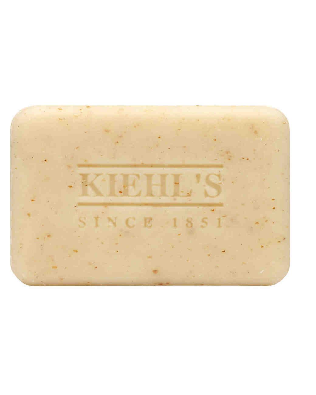 mens-grooming-products-kiehls-body-scrub-soap-bar-1114.jpg