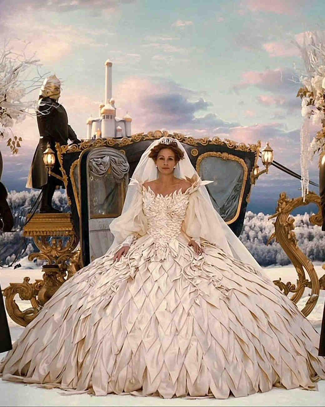 movie-wedding-dresses-mirror-mirror-julia-roberts-0316.jpg