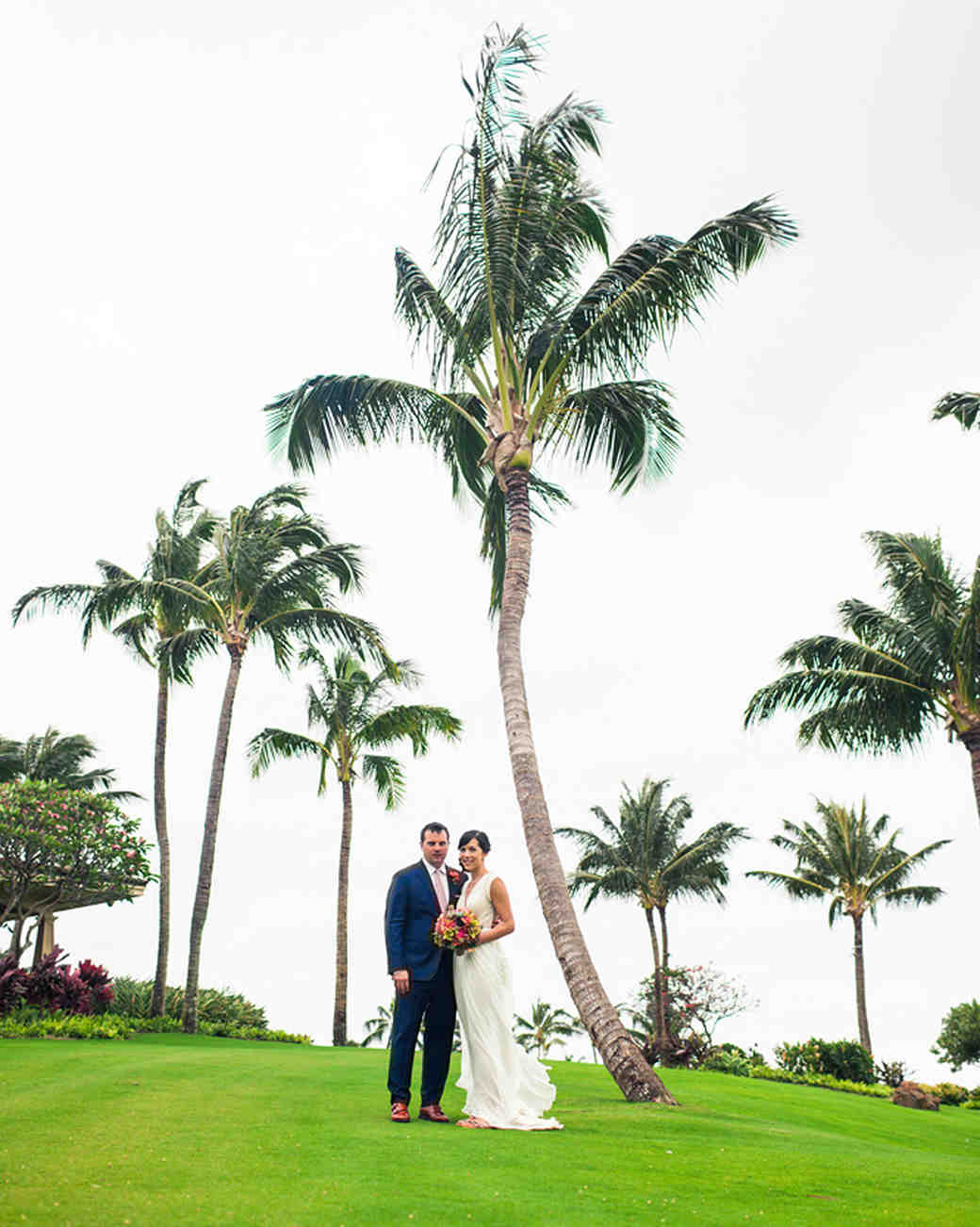 liz and michael�s laidback destination wedding in hawaii