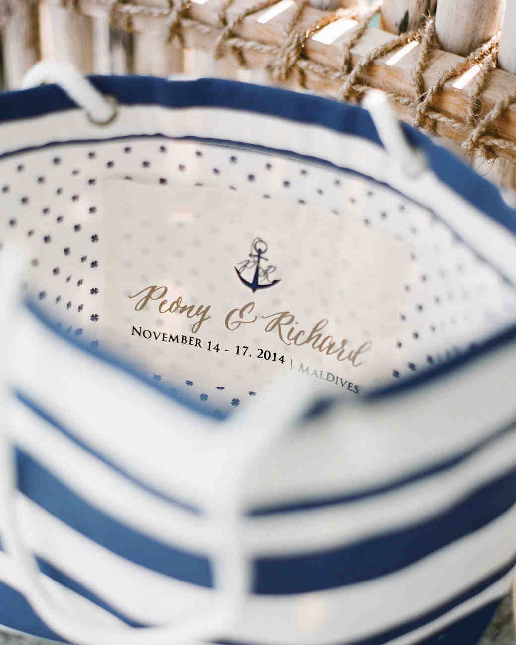 Gift Ideas For Destination Wedding: 13 Destination Wedding Favors That Gave A Nod To Their