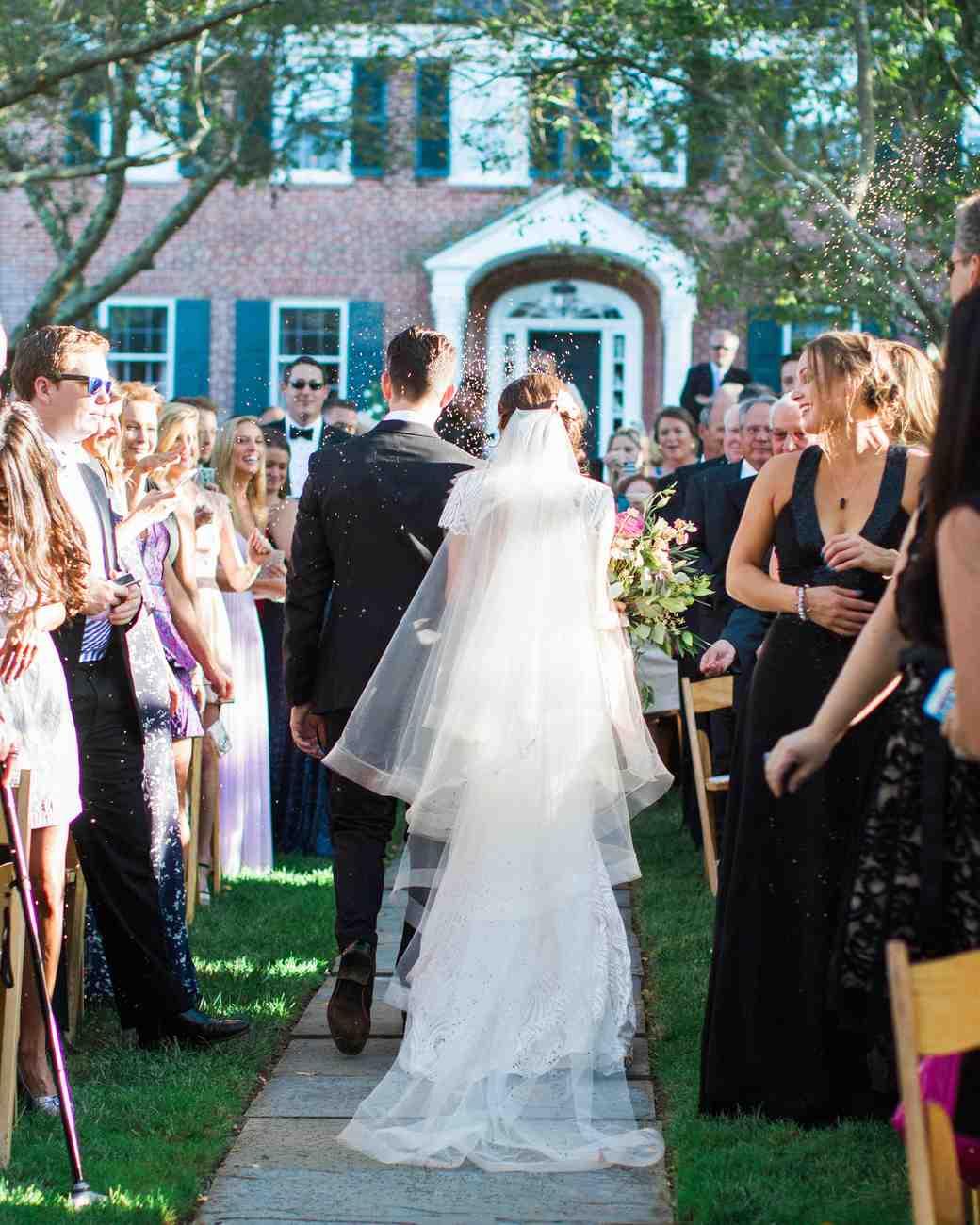 amy-garrison-wedding-recessional-toss-00557-6134266-0816.jpg