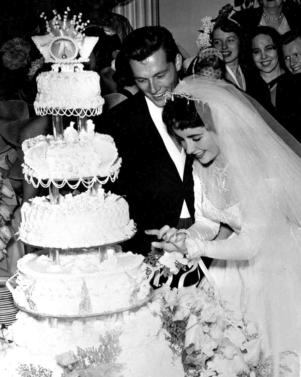 wedding cakes toppers wedding cakes pictures 16 Vintage Celebrity Wedding Cakes You ve Probably Never Seen
