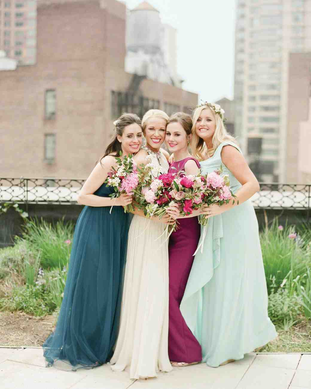 randy-mayo-real-wedding-bridesmaids-dresses-and-bouquets.jpg
