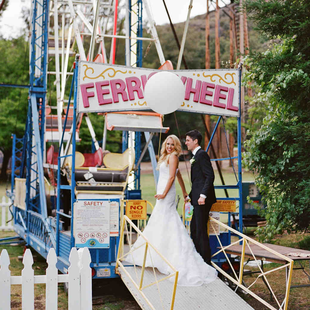 shannon jon wedding couple ferris wheel