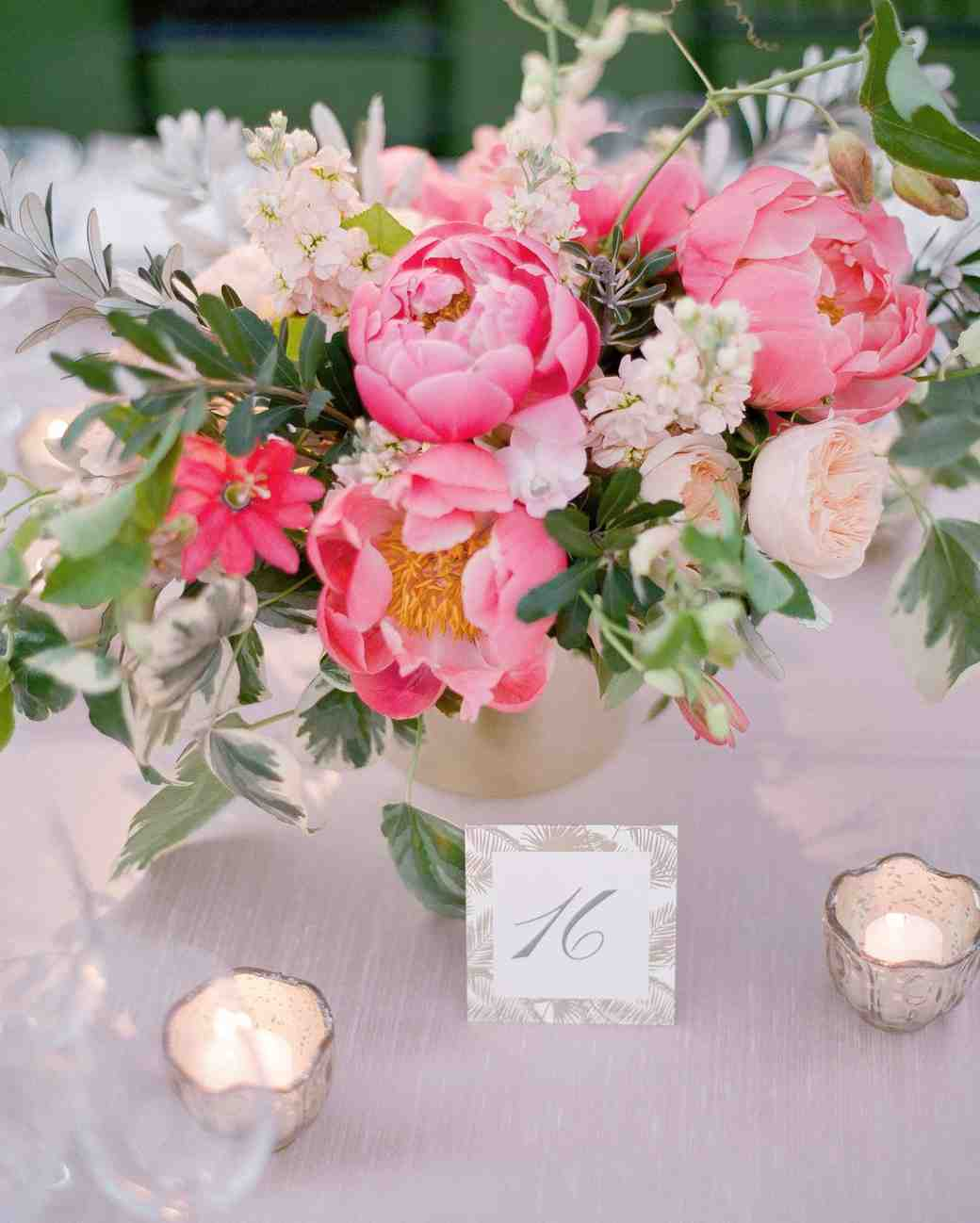 Ideas For Outdoor Wedding Reception Tables: A Casual, Outdoor Wedding In Palm Springs With A Black-Tie