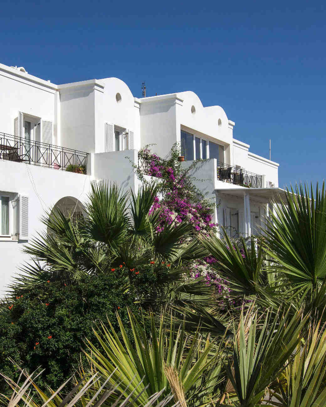 airbnb-wedding-venues-santorini-aegean-islands-greece-0515.jpg