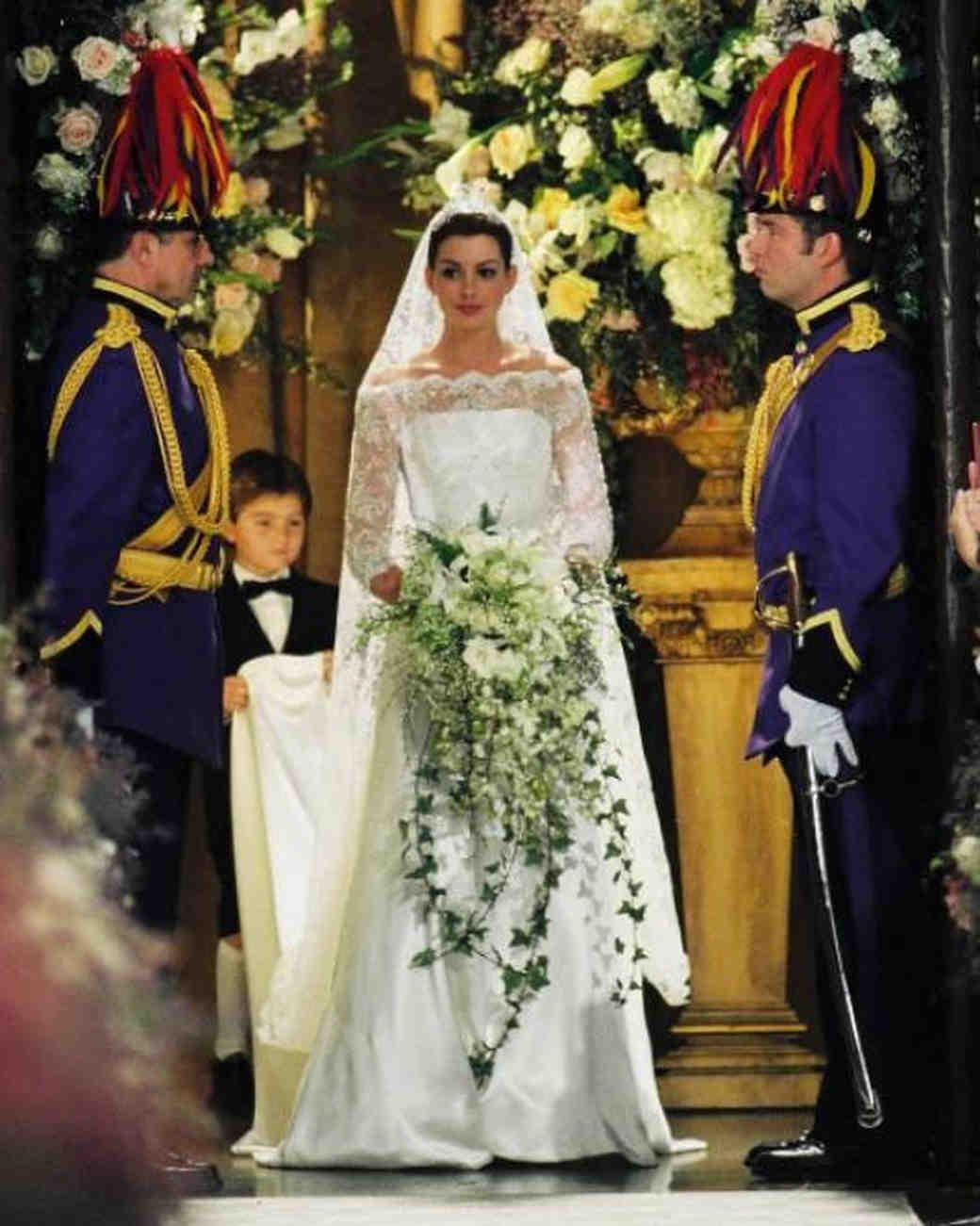 movie-wedding-dresses-princes-diaries-2-anne-hathaway-0316.jpg