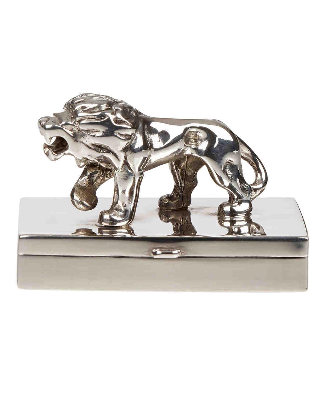 ring-boxes-barneys-ari-d-norman-sterling-lion-pillbox-0115.jpg