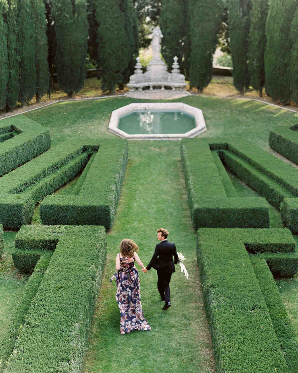christine-dagan-wedding-couple-gardens-4302_13-s113011-0616.jpg